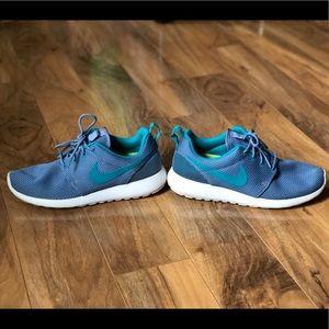 Women's Nike RosheRuns-Teal Mess/LimeGreen Size7.5